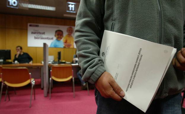 Declaración presencial en las instalaciones de la Agencia Tributaria